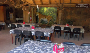 boma-restaurant-rhino-lion-game-reserve-007